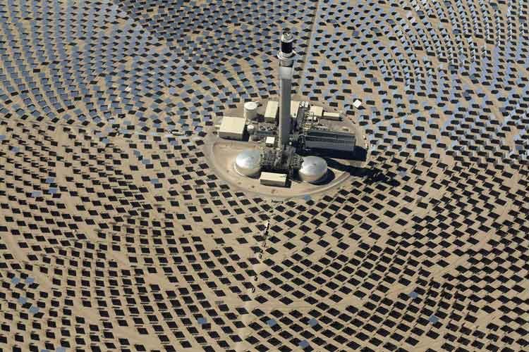 Mirrors Reflect Sunlight at Nevada Energy Facility