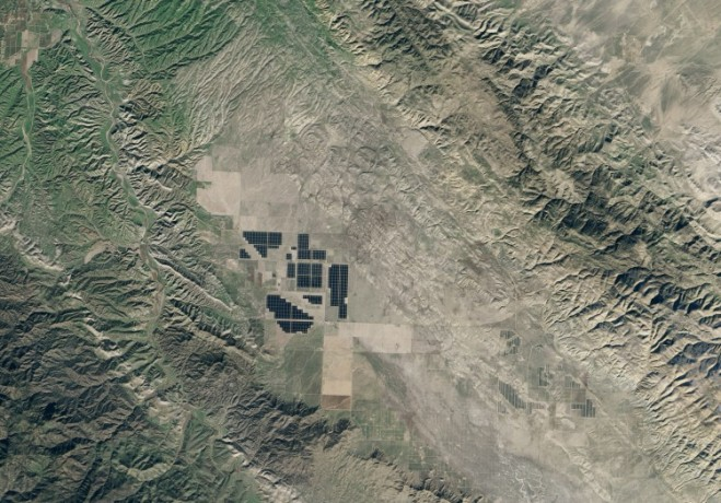 World S Largest Solar Farm Seen From Space 171 Earth Imaging