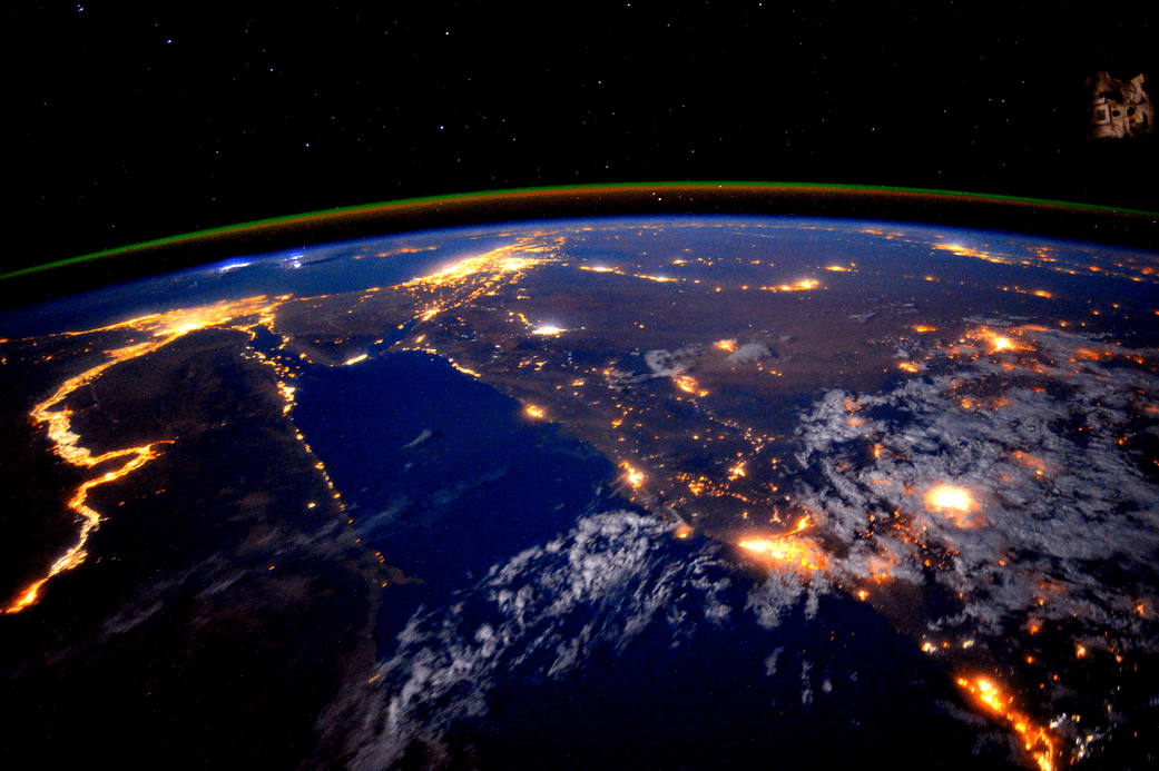 Persian Gulf Seen at Night from Space Station « Earth