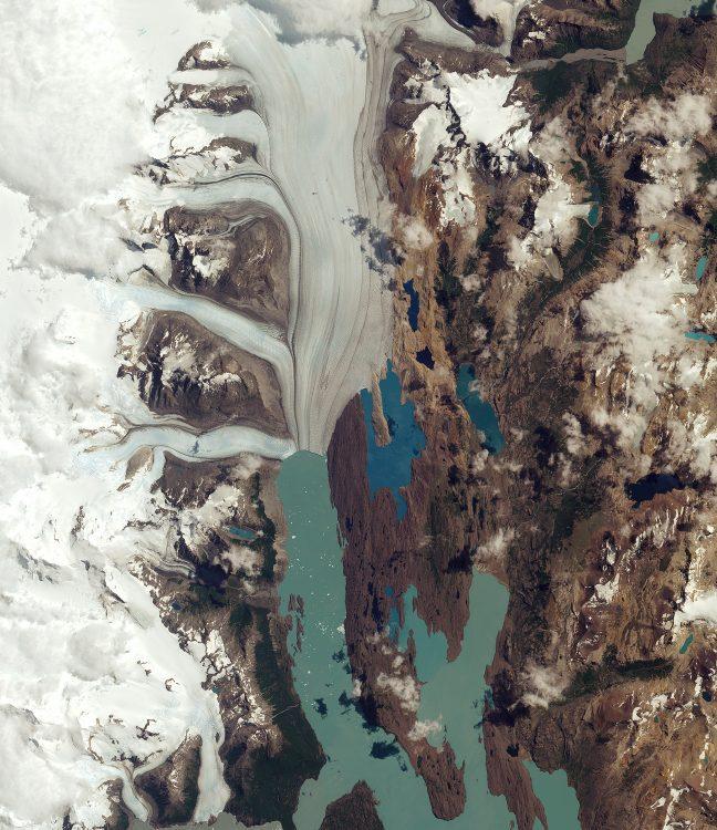 Upsala_Glacier-e1473825174192