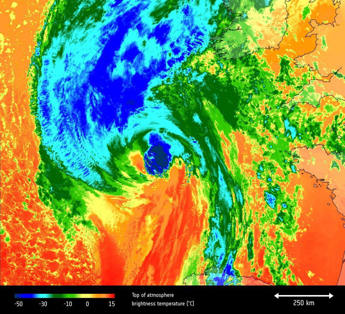 Hurricane_Ophelia_s_temperature-e1508262376294