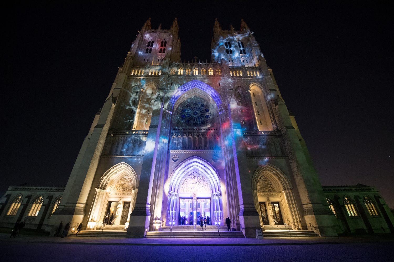 spirit_of_apollo_washington_national_cathedral_for_50th_anniversary_of_apollo_8_0-e1545091506452