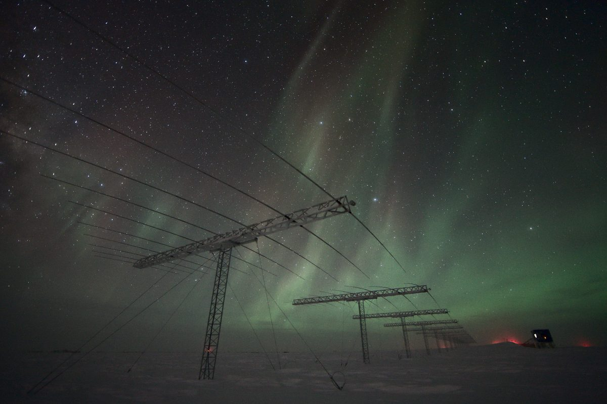 Antennas_and_auroras-e1551804659446