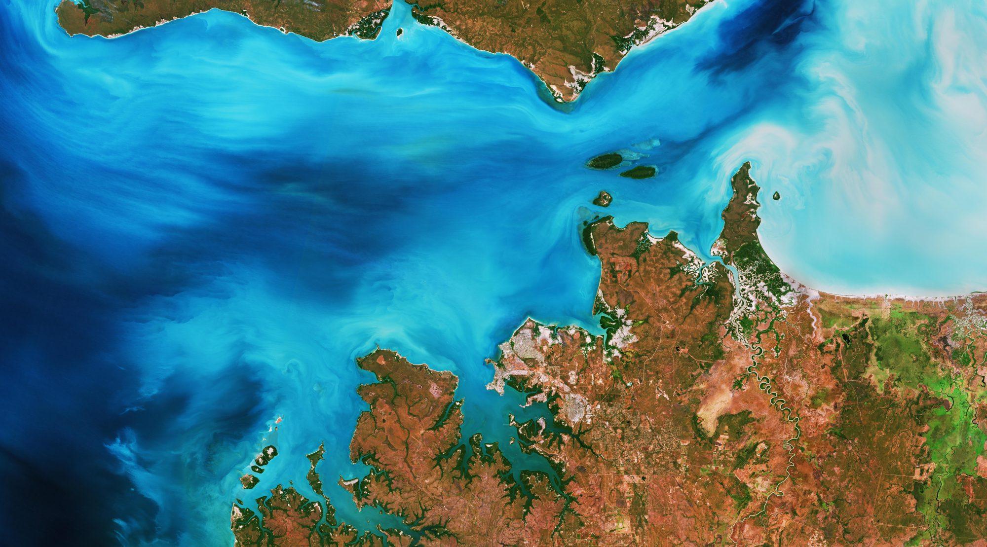 Clarence_Strait_Australia-e1569342406137